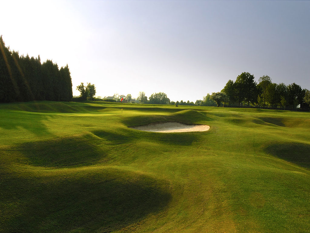 Kingsdown Golf Club - Just 20 mins from The Wilderness Holiday Cottage