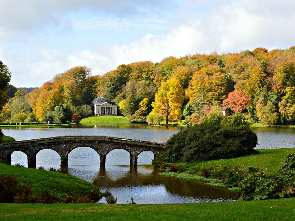 Stourhead gardens wiltshire